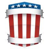 Rosso, bianco patriottico e blu, lo stelle e strisce, l'americano Pride Shield con le insegne hanno isolato l'illustrazione di ve illustrazione vettoriale