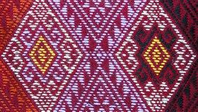 Rosso e struttura tailandese del cuscino di stile dell'oro Fotografia Stock Libera da Diritti