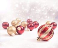 Rosso ed ornamenti dell'oro Immagine Stock