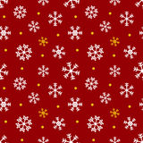 Rosso, oro e natale bianco, fondo senza cuciture del modello di inverno con i fiocchi di neve e punti Immagine Stock Libera da Diritti