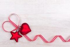 Rosso a quadretti del nastro del cuore della stella Fotografia Stock Libera da Diritti