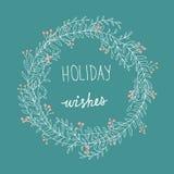 Rosso trascurato disegnato a mano Holly Berries Holiday Wishes Lettering della corona di natale bianco di scarabocchio Stile del  Immagini Stock Libere da Diritti