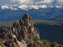 Rosszahne, rotsachtige bergtop met waaier Stock Afbeeldingen