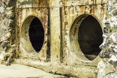 Rost och korrosion i röret och metallen flår Korrosion av metall Rost av metaller fotografering för bildbyråer