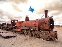 Rosta lokomotiv i drevkyrkogården, Uyuni, Bolivia fotografering för bildbyråer
