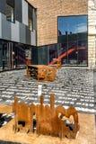 Rostad stol & tabell för metall stilsort arkivfoto