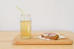 Rostade brödet och drinken Royaltyfri Foto