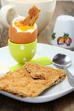 rostat bröd för frukostäggstand Royaltyfria Bilder