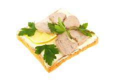 rostat bröd för skivor för smörgås för pars för torskcitronlever Arkivfoton