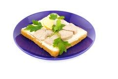 rostat bröd för skivor för smörgås för torskcitronlever Royaltyfri Bild