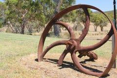 Rostat hjul Arkivbild
