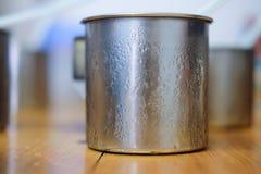 Rostfreie Glastropfen des kalten Wassers Stockfoto