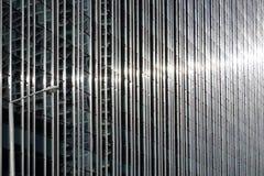 Rostfritt stål- och exponeringsglasbyggnad Arkivfoton