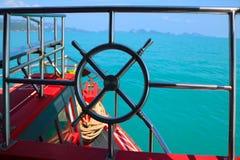 Rostfritt stålräcket av fartyget turnerar Royaltyfria Bilder