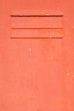 Rostig dörr för röd metall Royaltyfri Fotografi