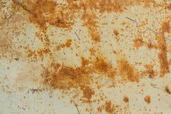 Rostig garagedörr eller järnark Arkivbilder
