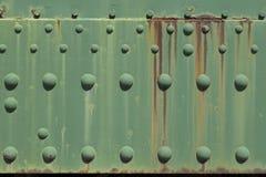 Rostig grön metallplatta arkivbilder