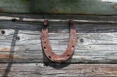 Rostig hästsko för tappning Arkivfoto