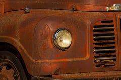 rostig lastbil Arkivbild