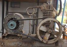 Rostig luftkompressor Fotografering för Bildbyråer