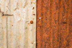 Rostig metallgrungebakgrund arkivbild