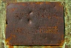 Rostig metallplatta Arkivfoto
