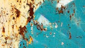 Rostig metallyttersida med blått målar och knäcker textur Fotografering för Bildbyråer