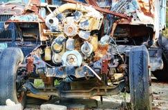 Rostig motor för gammal lastbil Royaltyfri Fotografi