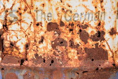 Rostig olje- metallbehållare Arkivbild