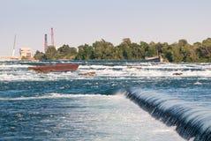 rostig pråmniagara flod Arkivfoto