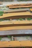Rostig stålplatta i fabrik royaltyfri foto