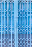 Rostig traditionell port eller hopfällbara dörrar Fotografering för Bildbyråer