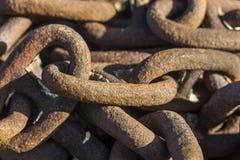 Rostiga chain sammanlänkningar Royaltyfri Bild