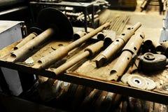Rostiga industriella hjälpmedel arkivfoto