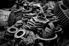 Rostiga industriella maskindelar royaltyfria foton