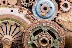 Rostiga kugghjul och andra delar av den industriella maskinen Royaltyfri Fotografi