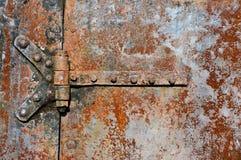 Rostiga metalldörrdetaljer Royaltyfria Foton