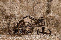 Rostige alte Bauernhofmaschinerie Lizenzfreies Stockfoto