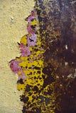 Rostige Eisenoberfläche mit dem Lack entfernt Stockfoto