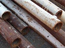 Rostige Eisenrohre stockfotos