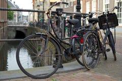 Rostige Fahrräder Stockfoto