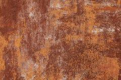 Rostige gelb-rote strukturierte Metalloberfläche Die Beschaffenheit der Blechtafel ist für Oxidation und Korrosion anfällig grung lizenzfreies stockfoto
