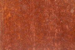 Rostige gelb-rote strukturierte Metalloberfläche Die Beschaffenheit der Blechtafel ist für Oxidation und Korrosion anfällig grung stockbild