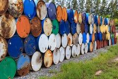 Rostige horizontale Korrosion des Öltanks stockbild