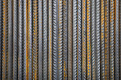 Rostige Stahlgebäudearmatur Stockfotos