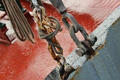 Rostige Stahlkette stockfotos