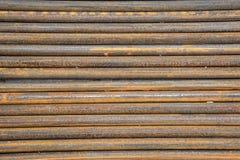 Rostige Stahlstangen im Freien Stockfotos