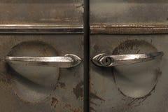 Rostige Türen eines Weinleseautos lizenzfreie stockbilder