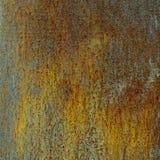 Rostige Wand mit Kupfer stockfotos