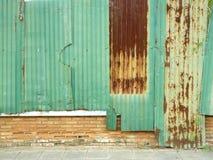 Rostige Zink-Wand Lizenzfreie Stockbilder